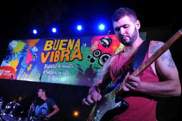 """""""Buena Vibra"""", el festival que combinó música, arte y artesanías en General Pacheco"""