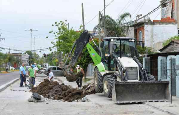San Fernando renueva el pavimento de la Ruta N° 202