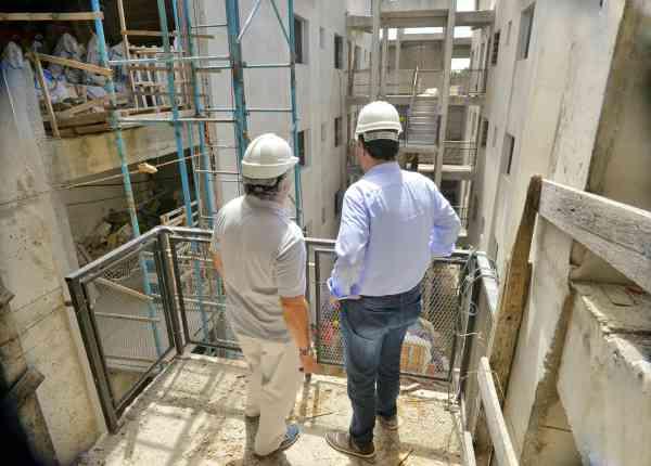 Jorge Macri recorrió las obras del Plan de Viviendas en el barrio 7 de Mayo