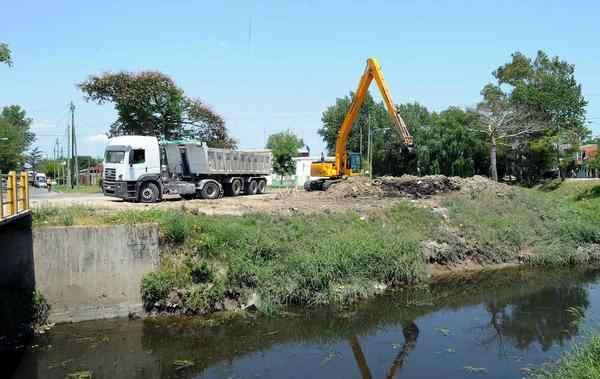 Tigre inició la limpieza y profundización del arroyo Darragueira