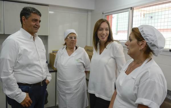 La gobernadora de la Provincia de Buenos Aires, María Eugenia Vidal, y el intendente de Vicente López, Jorge Macri, inauguraron esta mañana el nuevo edificio del Centro Barrial de Infancia (CBI), ubicado en el Barrio Habana, en la localidad de Villa Martelli.
