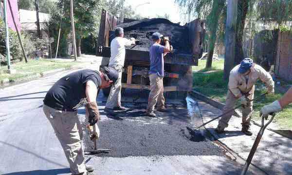 Tigre realizó bacheo en Rincón de Milberg
