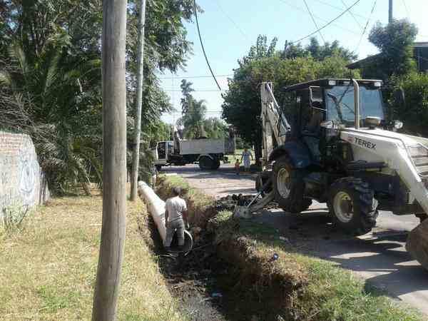Se profundiza la limpieza de desagües pluviales en Troncos del Talar