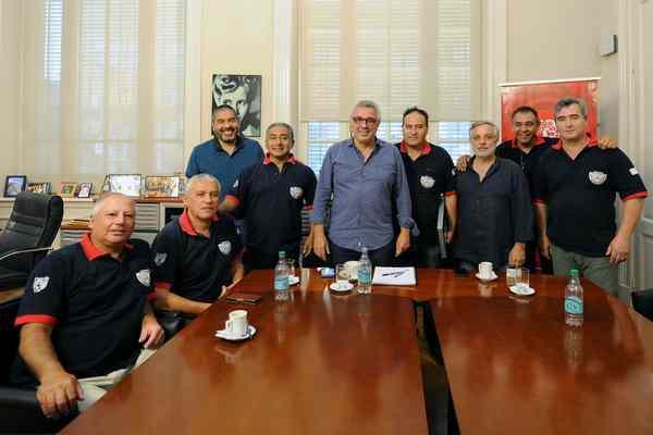 Julio Zamora renovó su compromiso con los veteranos de Malvinas de Tigre