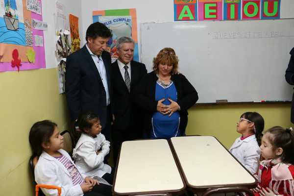 Capacitan a docentes para implementar meditación en las escuelas de San Isidro