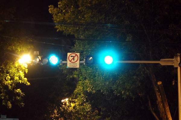 El municipio informó que realizó trabajos de mantenimiento de semáforos y señalización para seguridad de peatones y conductores.