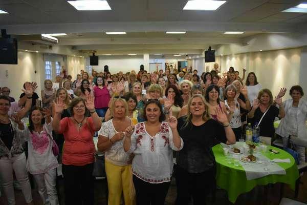 Meneca Djedjeian celebró el día de la mujer en Vicente López junto a Paula Oliveto