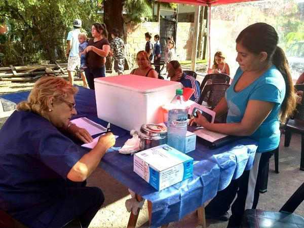 El centro de salud de Pacheco realizó un operativo en la vía pública
