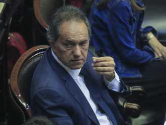 Piden el embargo y la prohibición de salir del país de Scioli