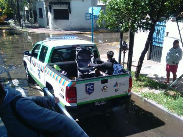 Por crecida del río, San Fernando asistió a vecinos con sus nuevos móviles