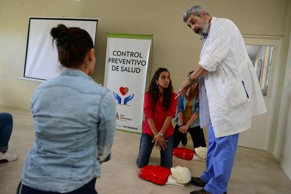 San Fernando ofreció un Curso de Resucitación Cardiopulmonar para el personal de Educación