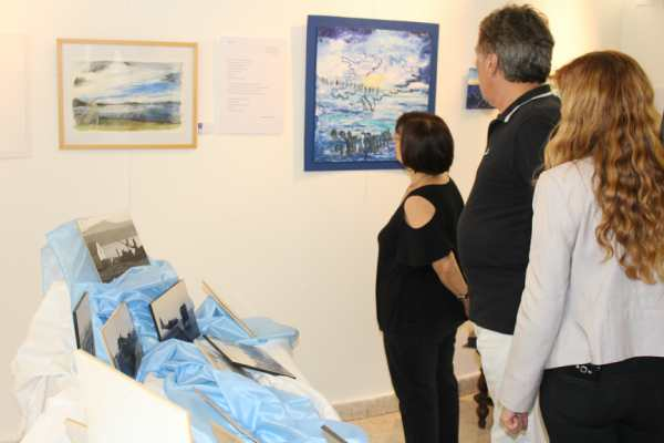 Se inauguró la muestra de arte Malvinas… Nuestra Historia en el HCD de Vicente López