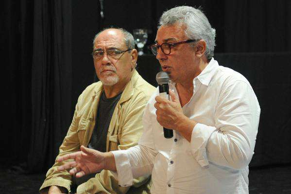 Julio Zamora en una reunión con vecinos del Delta, en el marco de la crisis que atraviesa el sistema de transporte fluvial
