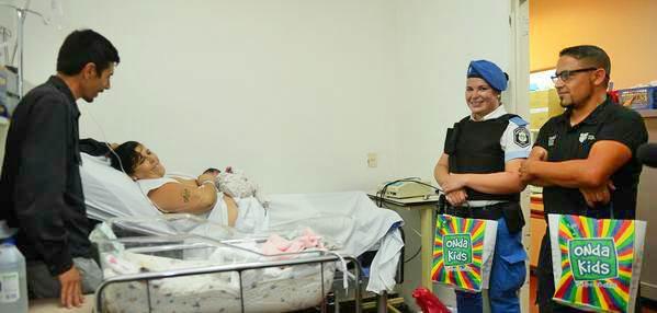 Dio a luz a su beba en la vía pública con la ayuda del Centro de Operaciones Tigre