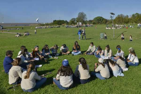 Jorge Macri, participó del inicio de actividades del Grupo Scout Distrito 1, en el que cientos de chicos y jóvenes disfrutaron de una gran jornada en el Paseo de la Costa.