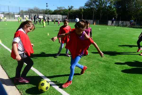 Gran encuentro de Escuelas Deportivas de San Fernando en el Poli 9