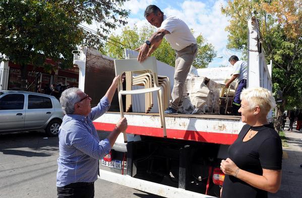 El municipio entregó nuevo mobiliario a escuelas de Tigre