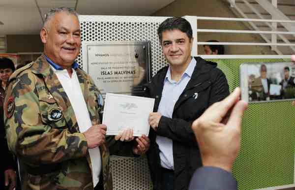 Jorge Macri reconoció a ex combatientes de Malvinas en Vicente López