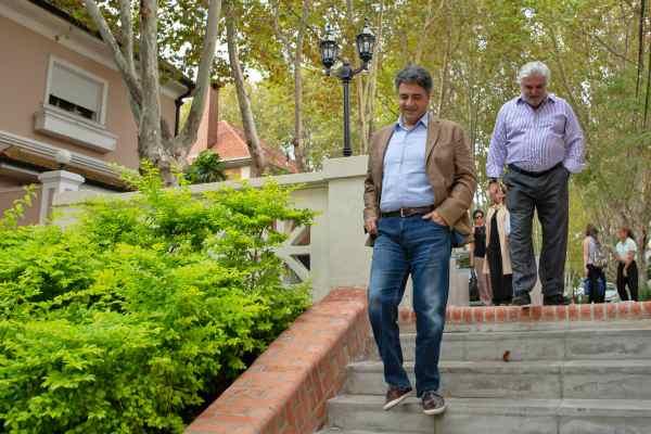 Jorge Macri recorrió la puesta en valor de las escaleritas de la calle Roca