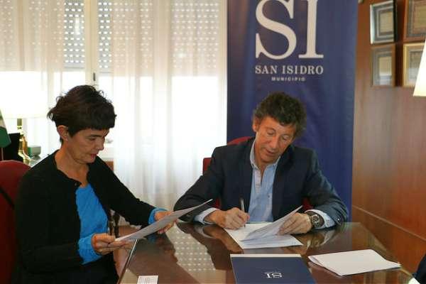 San Isidro renovó su convenio de reciclado informático con la fundación Equidad