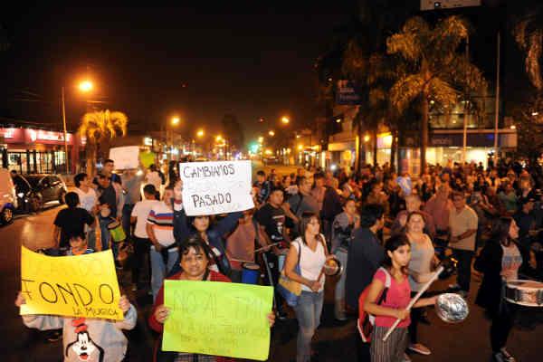 """Convocan a un """"ruidazo"""" contra las subas de tarifas en Capital"""