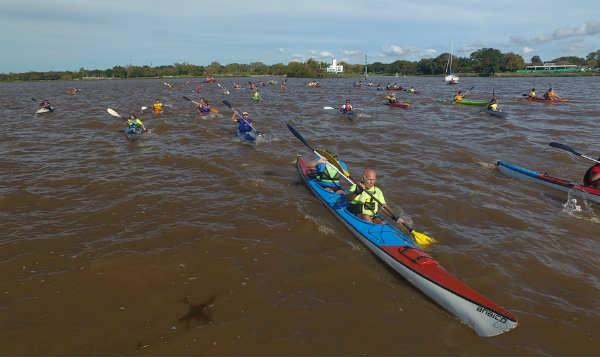Con una travesía en canotaje, vecinos de San Isidro conocieron las nuevas islas