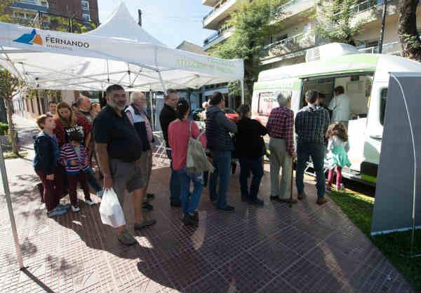 """El """"Municipio en tu Barrio"""" volvió al Centro Comercial de Victoria"""