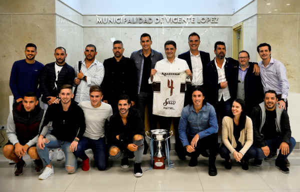 Jorge Macri recibió al plantel del flamante Platense campeón