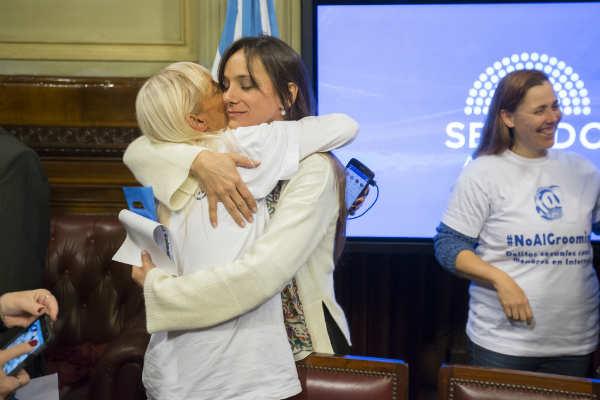Malena Galmarini fue distinguida en el Senado de la Nación por su labor contra la violencia infantil