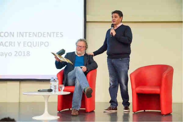 En el Centro Universitario de Vicente López se llevó a cabo la primer charla con los futuros candidatos de cambiemos en los distintos distritos de la provincia.
