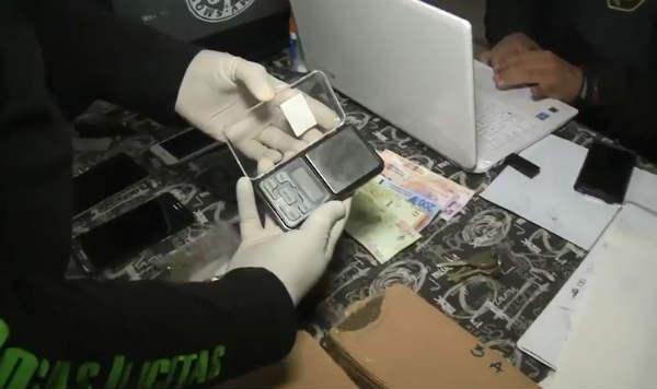 "Cayeron los ""celunarcos"": ocultaban la droga en teléfonos celulares que enviaban por encomiendas"