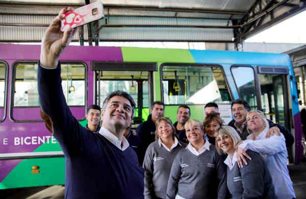Jorge Macri y las choferes de Transporte Bicentenario compartieron un desayuno