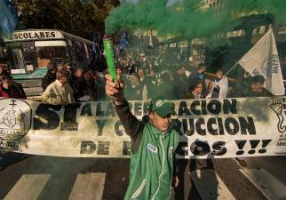 Sindicatos portuarios realizaron un paro, marcharon a Trabajo y presionan a la CGT para una huelga general