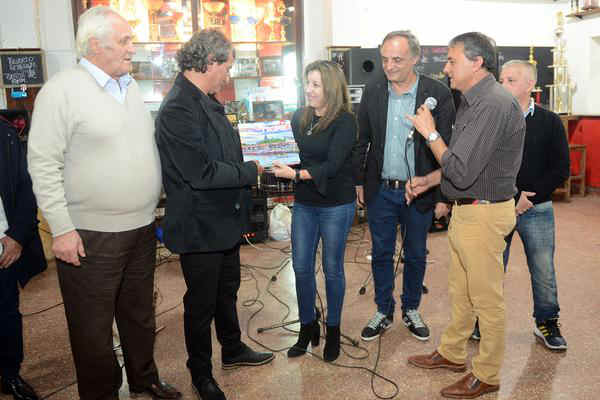 El Club Estudiantes de Solís de Tigre festejó su 76º aniversario