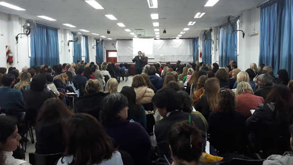 Autoridades de escuelas de Vicente López y Tigre se capacitaron en el sistema de licencias médicas