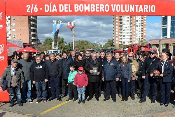 Cientos de vecinos disfrutaron el Día del Bombero en Tigre
