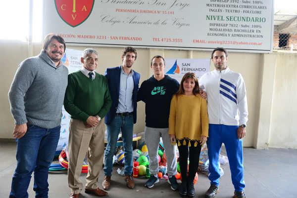 """El Municipio entregó una ayuda al Colegio """"Asunción de la Virgen"""", de Virreyes"""