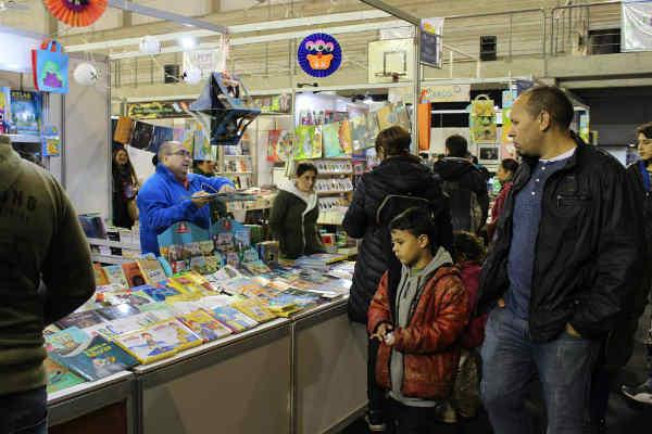 Dos días de intensa actividad en la Feria del Libro de Pilar
