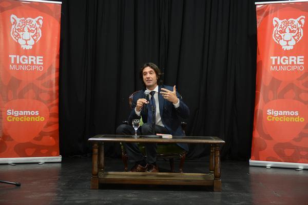 Contó con la disertación del cónsul de Italia, Giampiero Finocchiaro.