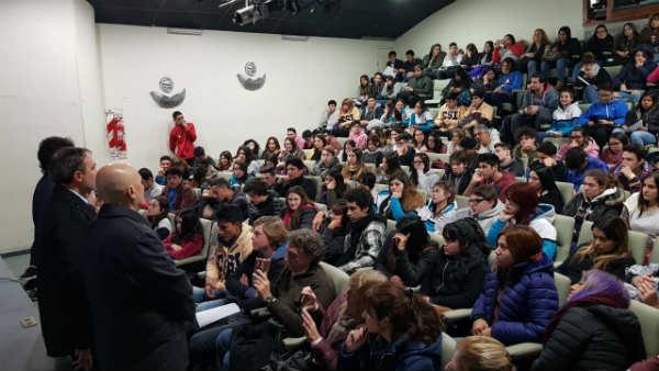 Jornada de orientación vocacional para alumnos de escuelas de San Isidro