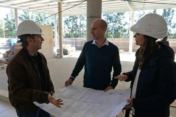 El Presidente del HCD, Santiago Aparicio, supervisó la construcción del nuevo establecimiento multideportivo del Municipio que estará ubicado en Victoria, en la entrada del Parque Náutico, cerca del río.