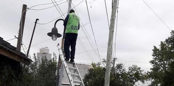 Tigre instaló más de 250 luminarias de veredas en Rincón de Milberg