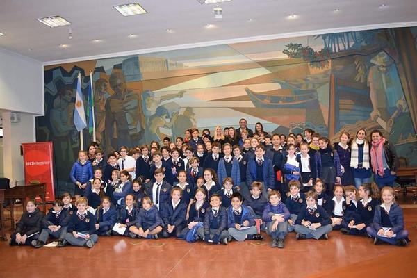 El HCD de Tigre recibió la visita de alumnos del colegio Hans Christian Andersen