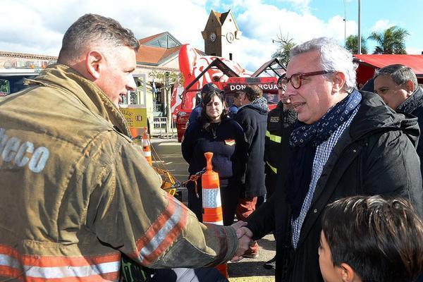 Julio Zamora reclama al Gobierno que dé marcha atrás con la quita de subsidios a los bomberos