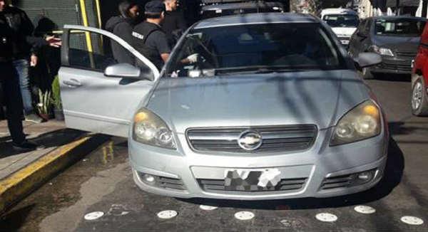 Caen dos narcos con cocaína y un arma de fuego en Vicente López