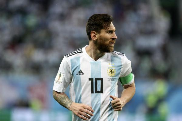 El astro argentino Lionel Messi se mostró hoy eufórico tras la victoria por 2 a 1 sobre Nigeria y la clasificación a los octavos de final del Mundial de Rusia 2018
