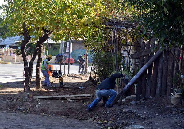 Se construyen dársenas de estacionamiento y mejoras en los principales accesos a San Fernando