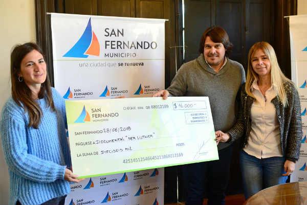 El Municipio entregó una ayuda económica a las directoras sanfernandinas del documental Ser Luthier