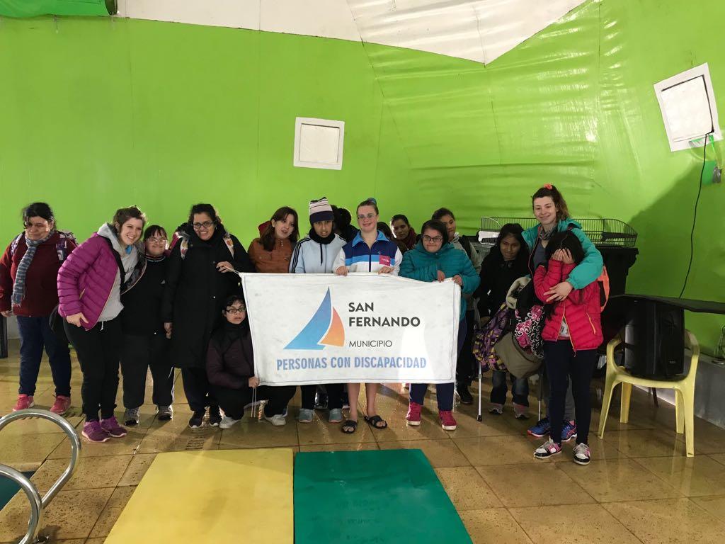 Encuentro de Natación Artística en el Polideportivo N° 3 de San Fernando