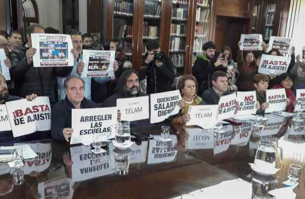 Docentes bonaerenses rechazan nueva oferta de Vidal y quedan al borde de un paro que impedirá el regreso a clases ()